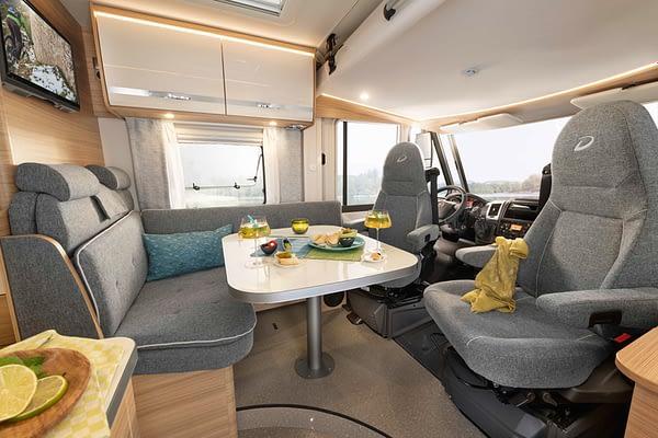 Globebus GT T6 Sitzgruppe