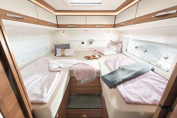 Dethleffs XXL A9050 Einzelbetten Schlafzimmer in Almeria Esche White