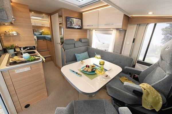 Globebus I6 GT Interieur Wohnbereich